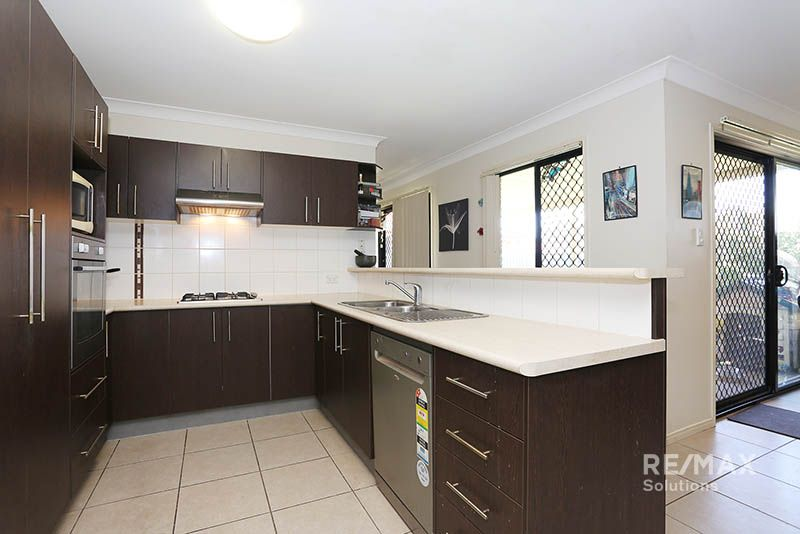 33 Gillam Crescent, Bray Park QLD 4500, Image 2