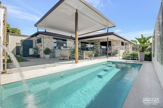 Picture of 11 Dune Circle, LAMMERMOOR QLD 4703