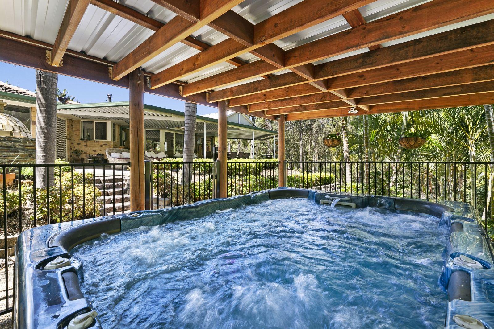 5 Sabina Park Court, Mount Nathan QLD 4211, Image 1