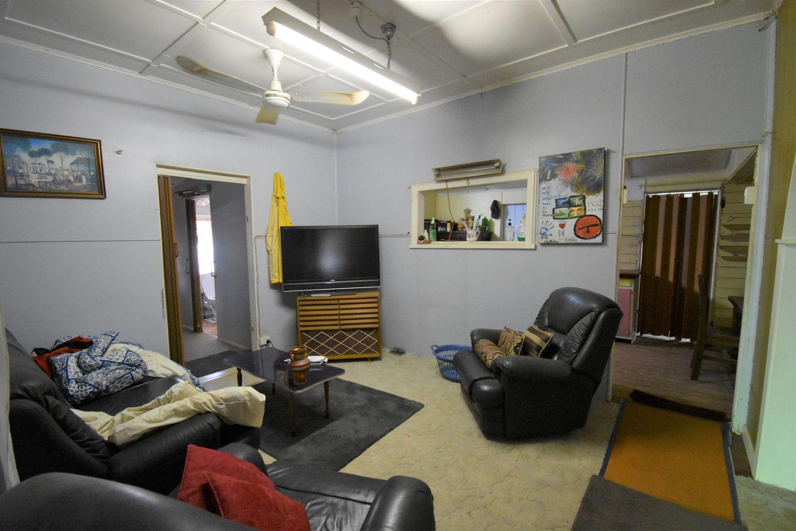 84 Cassowary Street, Longreach QLD 4730, Image 2