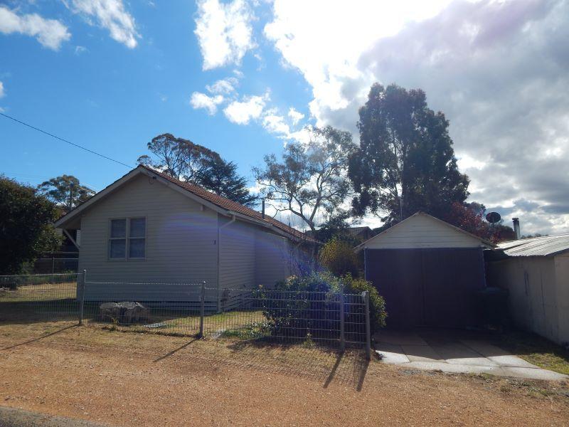 1 Nyora Street, Cooma NSW 2630, Image 2