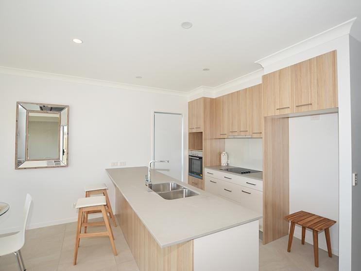 8/156 Marina Quays Boulevard, Hope Island QLD 4212, Image 2