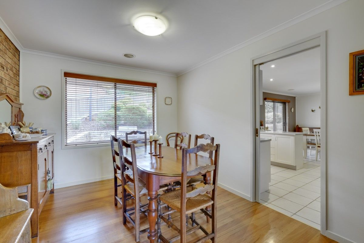 5 Max Henry Crescent, Macarthur ACT 2904, Image 2