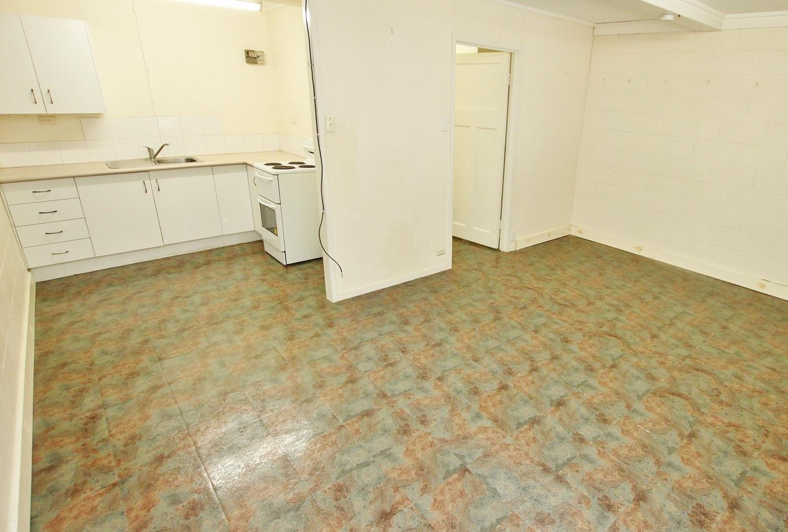 8/96 George Street, Rockhampton City QLD 4700, Image 1
