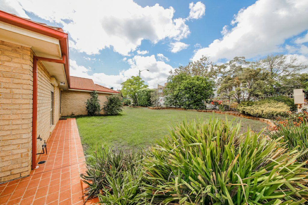 1/123 Lindesay Street, Campbelltown NSW 2560, Image 2