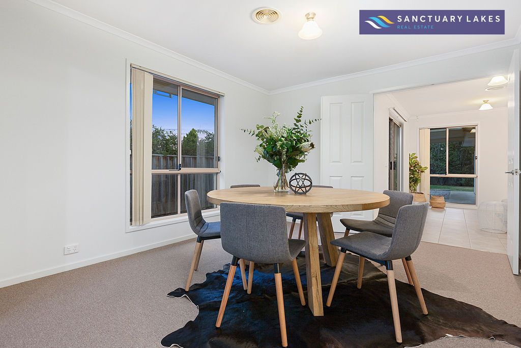15 The Breezewater, Sanctuary Lakes VIC 3030, Image 2