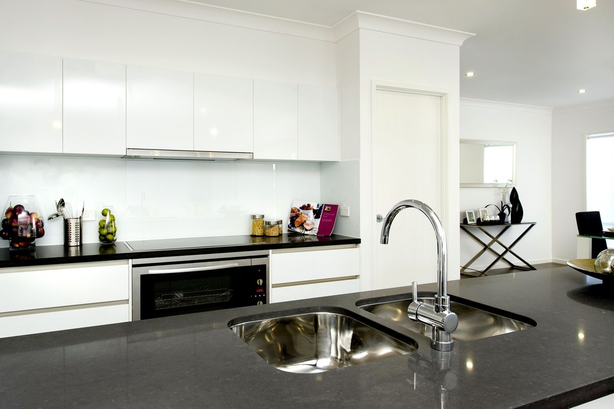 8 Townsvale Drive, Woodhill QLD 4285, Image 1