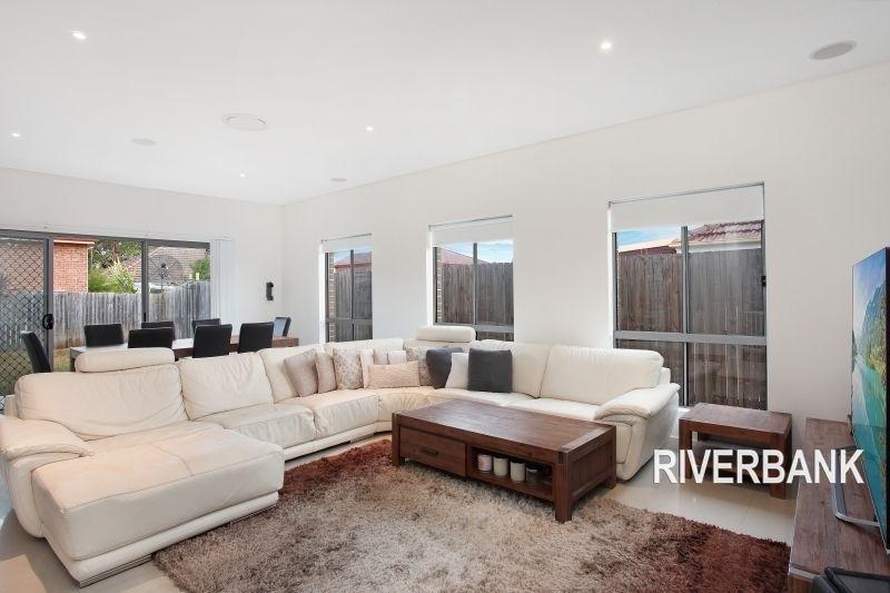 35 Warwick Road, Merrylands NSW 2160, Image 1