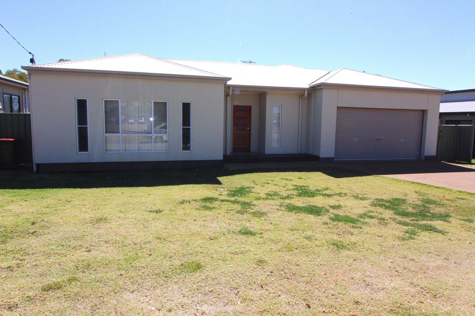 40 Nineteenth Ave, Mount Isa QLD 4825, Image 1