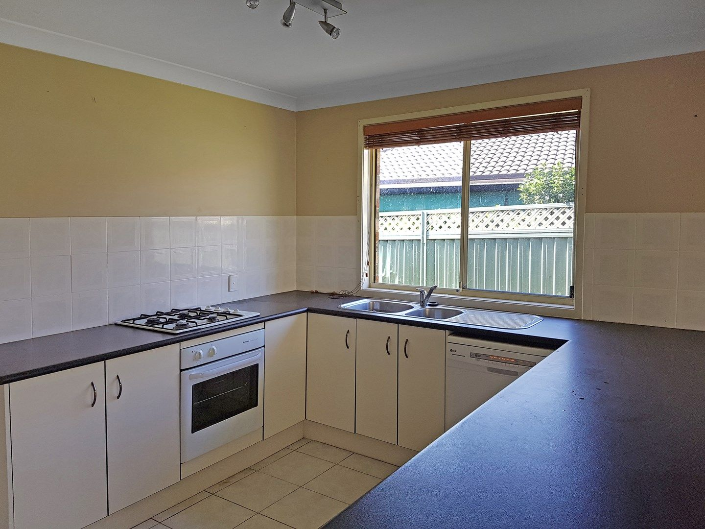 15 Nindi Close, Glenmore Park NSW 2745, Image 0