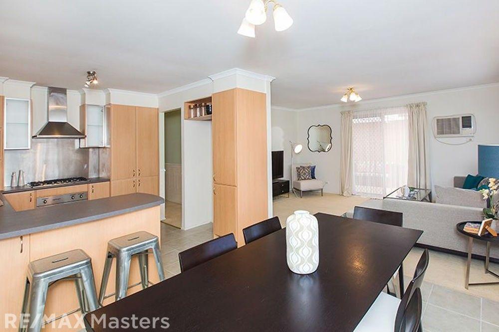 47 Kidd Street, Robertson QLD 4109, Image 2