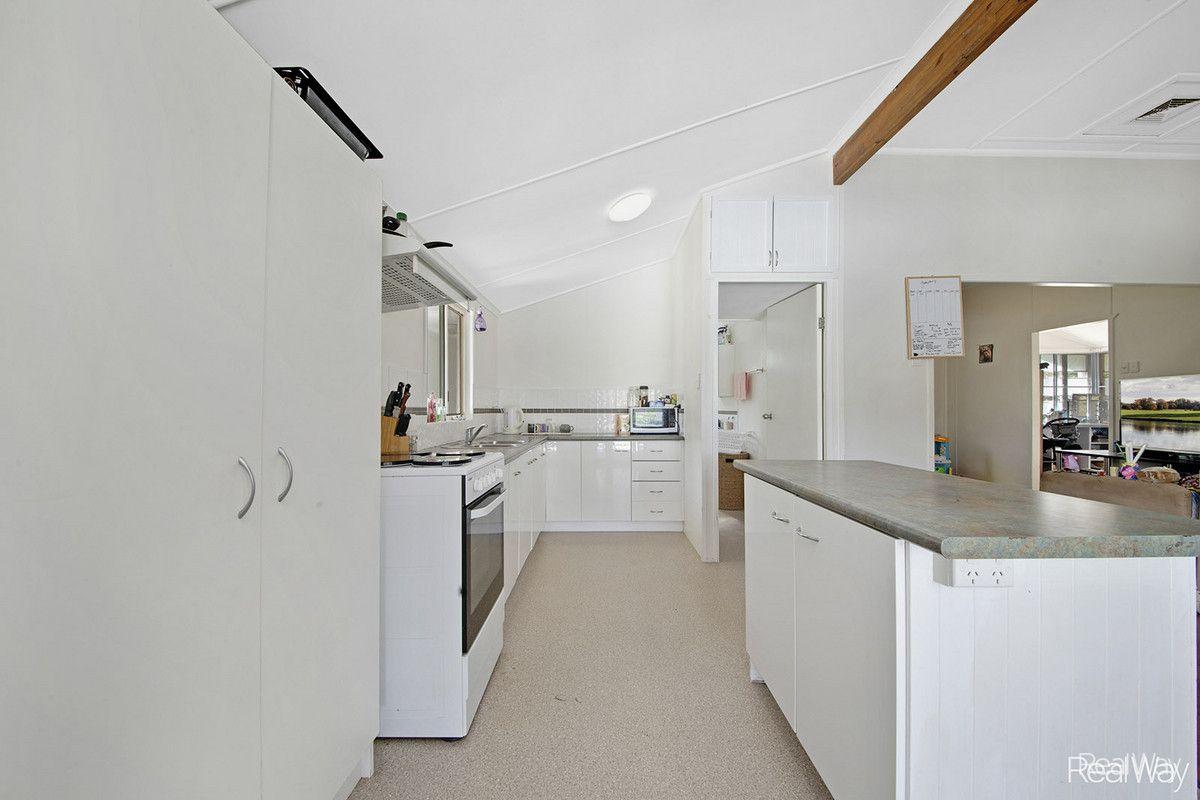 69 Darcy Street, Mount Morgan QLD 4714, Image 2