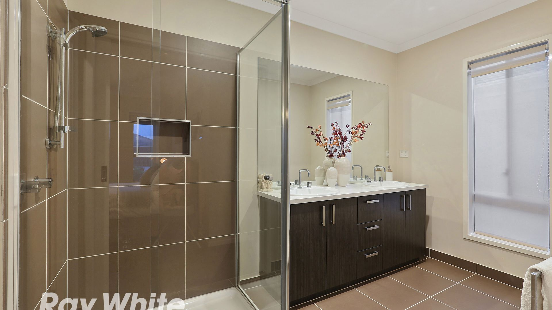 4 Shelduck Court, Lara VIC 3212, Image 2