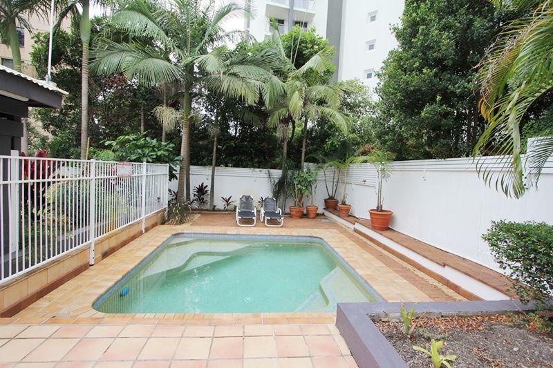 5/33 Cypress Avenue, Surfers Paradise QLD 4217, Image 2