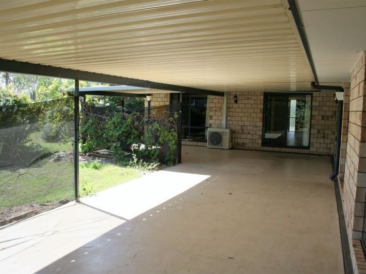 11 Langton Crescent, Oakey QLD 4401, Image 2