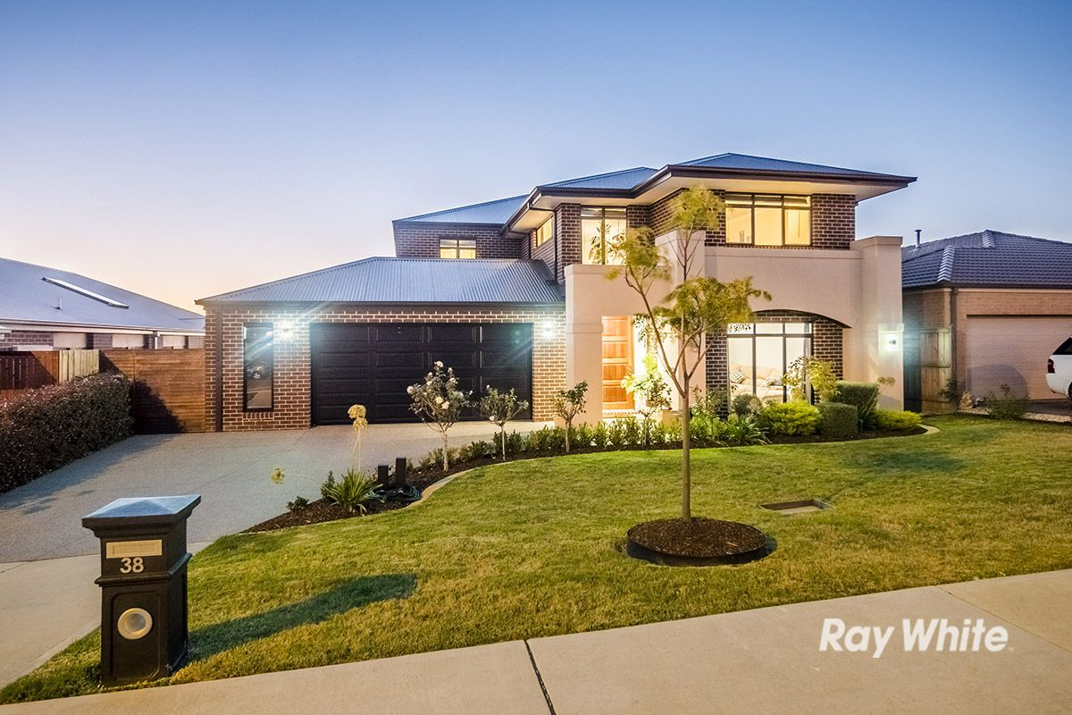 38 Macumba Drive, Clyde North VIC 3978, Image 0