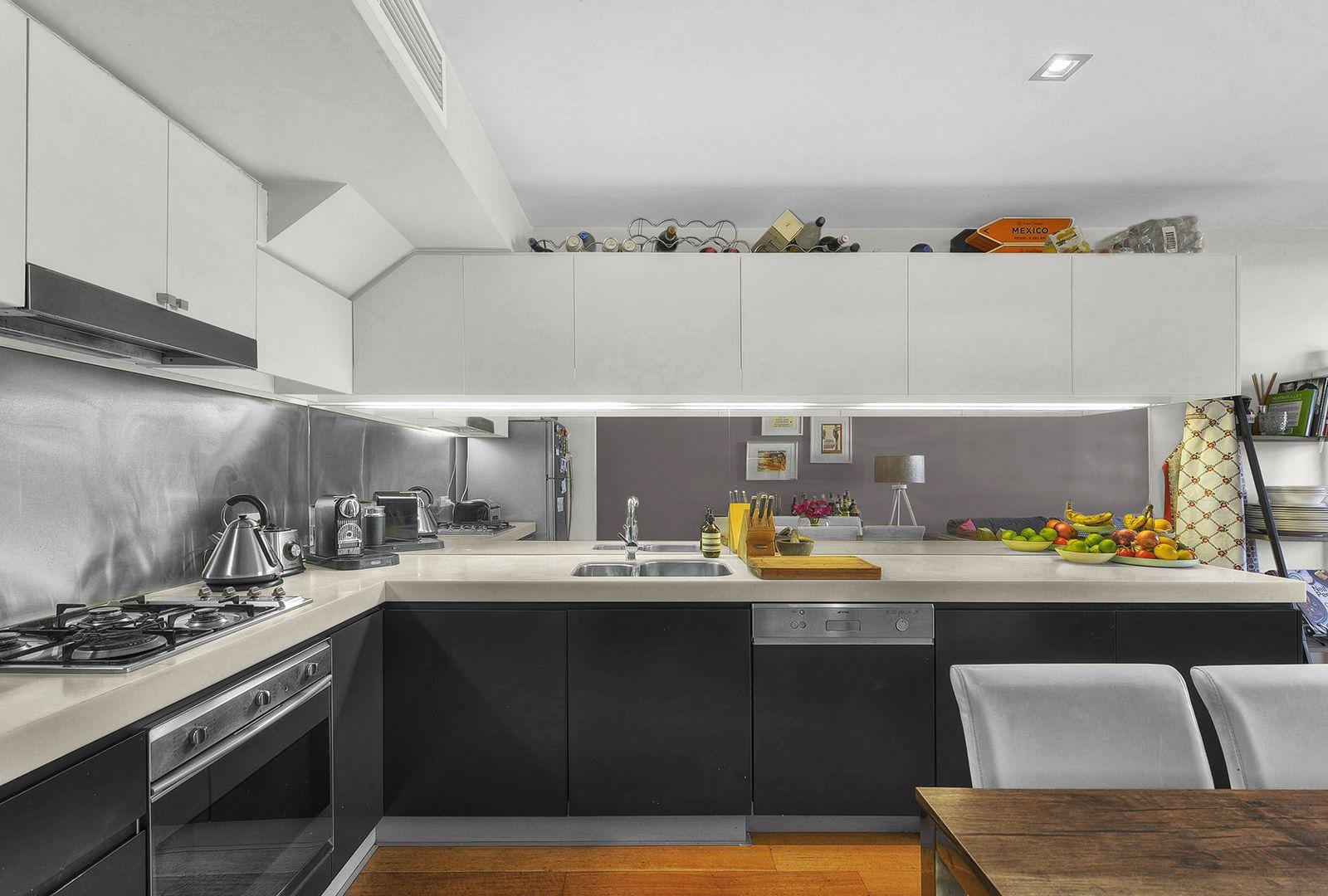 70/36 Vernon Terrace, Teneriffe QLD 4005, Image 2