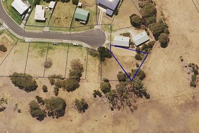 Picture of 18 Ross Avenue, CURRIE TAS 7256