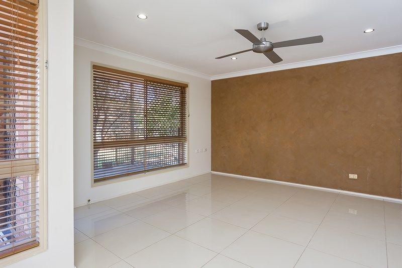 12 Roberts Street, Wellington Point QLD 4160, Image 2