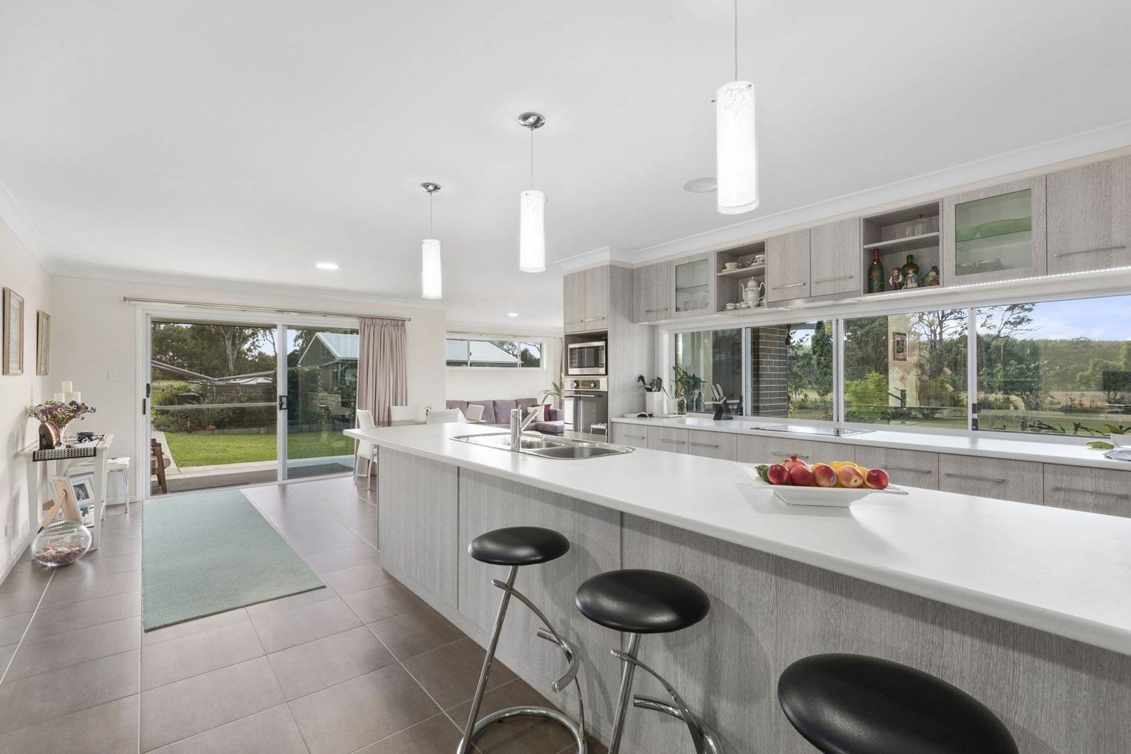 30 East Side Road, Crows Nest QLD 4355, Image 2