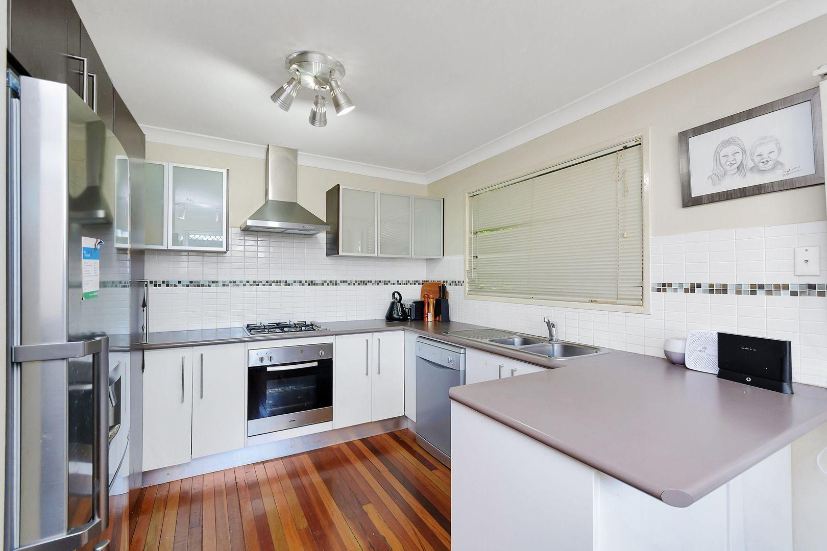 4 Barret Street, Flinders View QLD 4305, Image 1