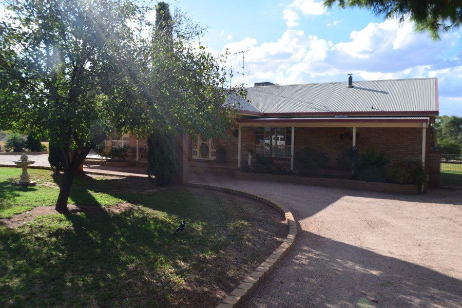 48 Field Road, Parkes NSW 2870, Image 0