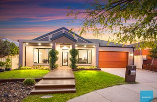 Picture of 7 Colac Place, Caroline Springs VIC 3023