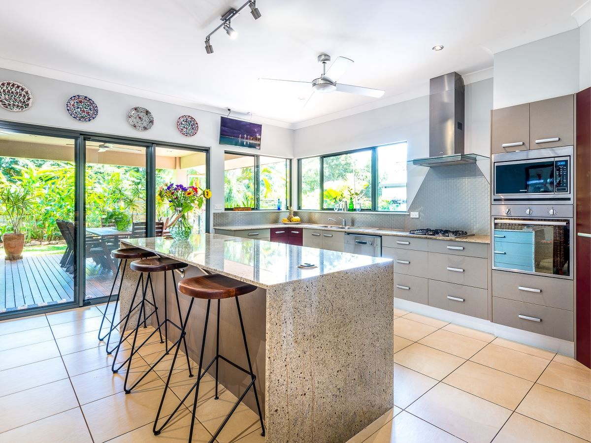 30 Tyrconnell Cr, Redlynch QLD 4870, Image 0