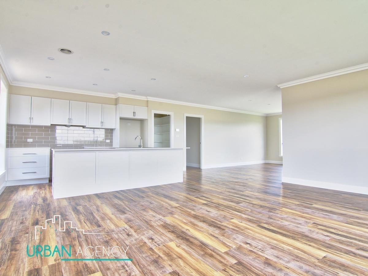 19 Ellenbrae Street, Orange NSW 2800, Image 1