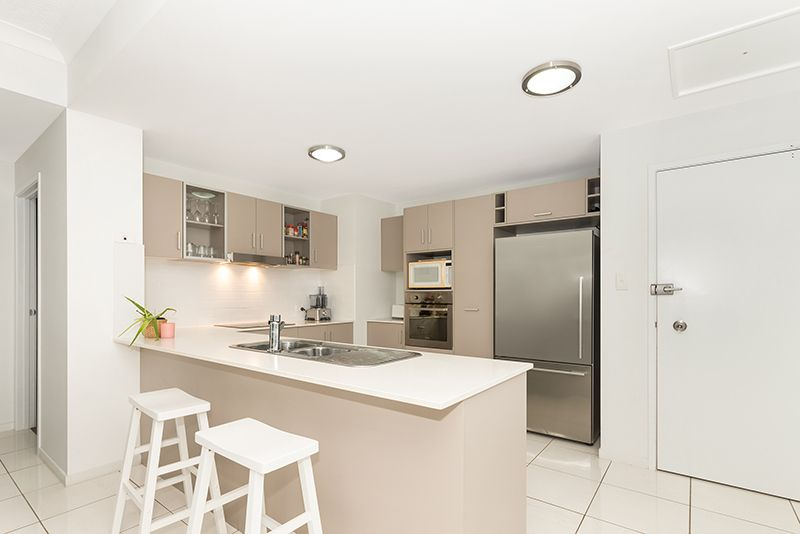 66/28 Landsborough Street, North Ward QLD 4810, Image 2