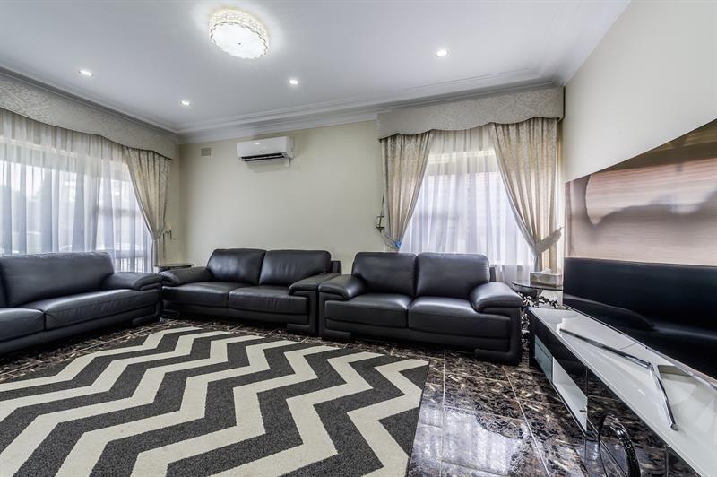 5 Rosemont Ave, Smithfield NSW 2164, Image 1