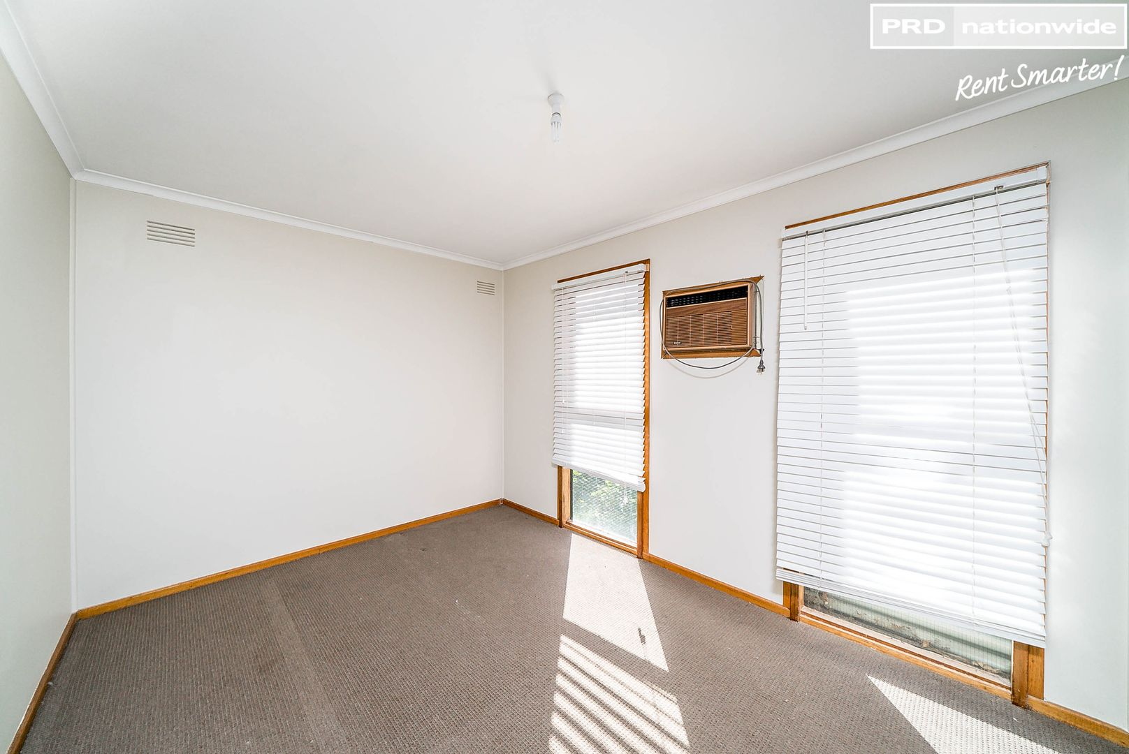 15 Chifley Crescent, Kooringal NSW 2650, Image 2
