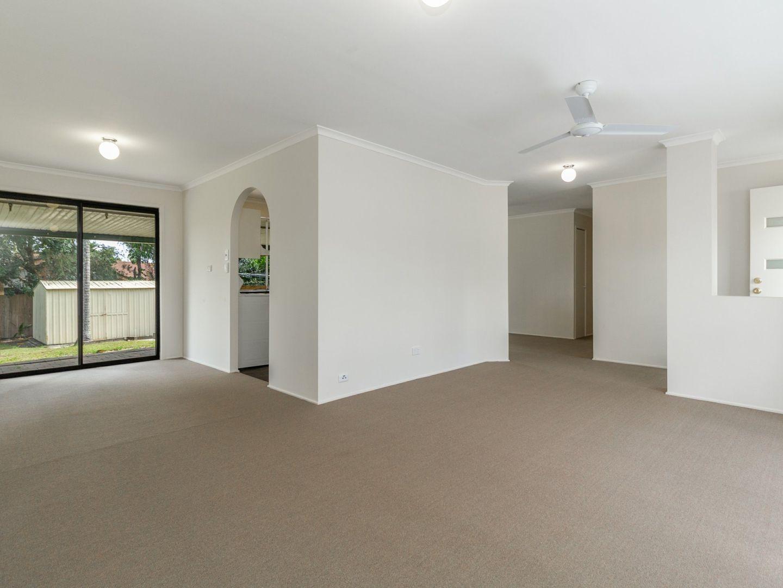 39 Owens Street, Boronia Heights QLD 4124, Image 2