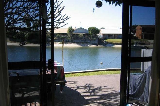 Picture of 1/26 Pangarinda Place, MOOLOOLABA QLD 4557