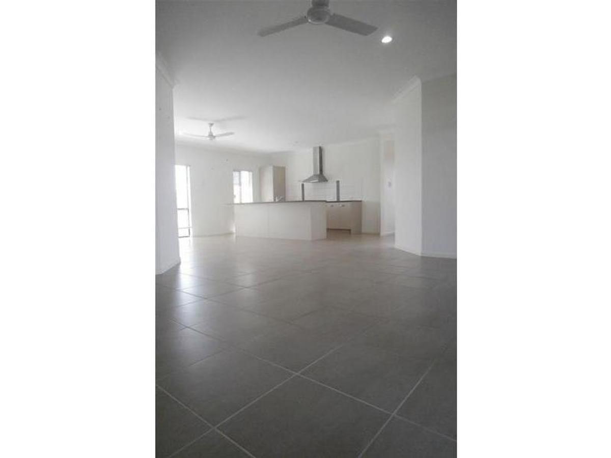 36 Benedore Street, Rasmussen QLD 4815, Image 2