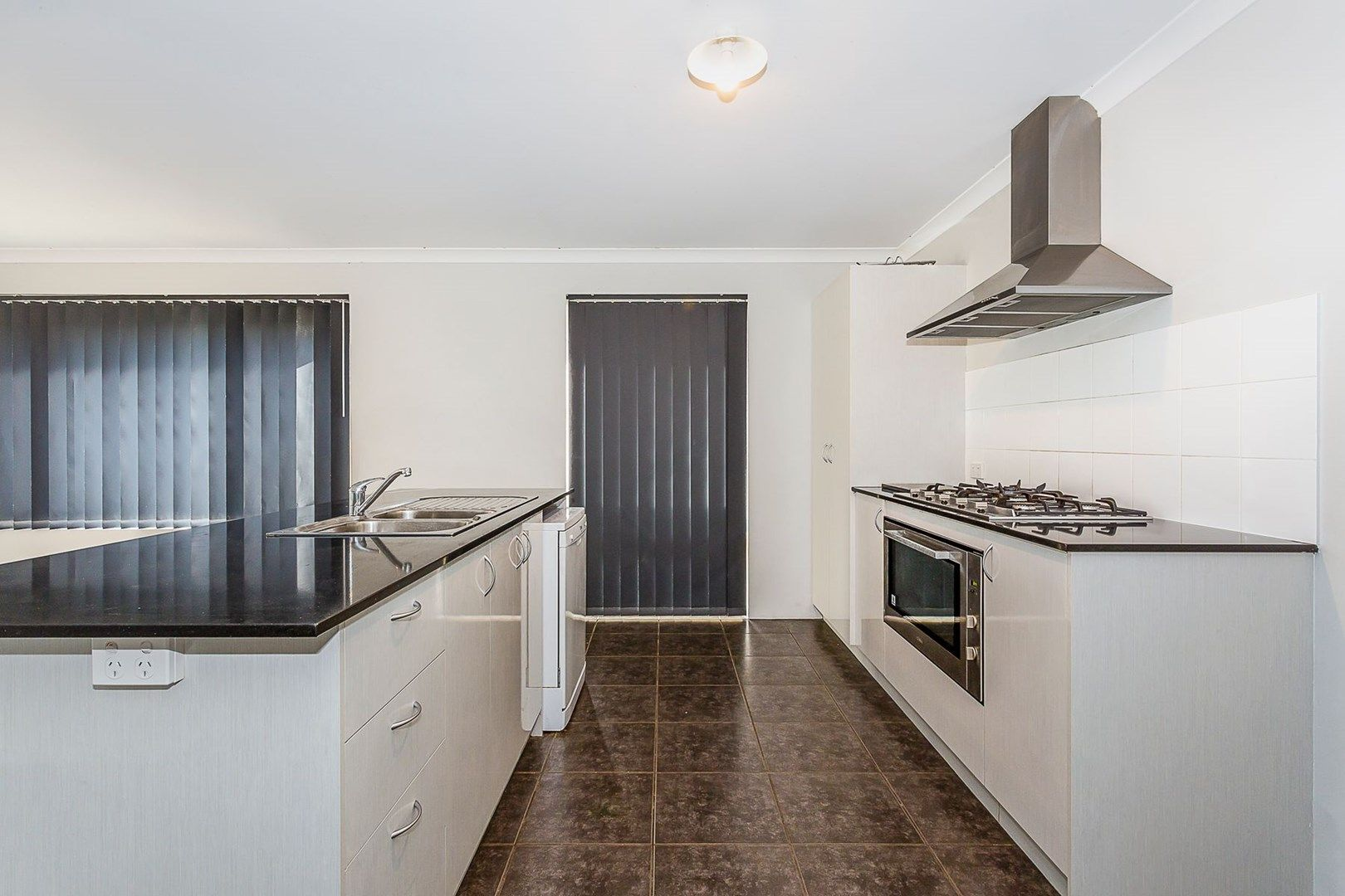 9 Cooralya Avenue, Golden Bay WA 6174, Image 1