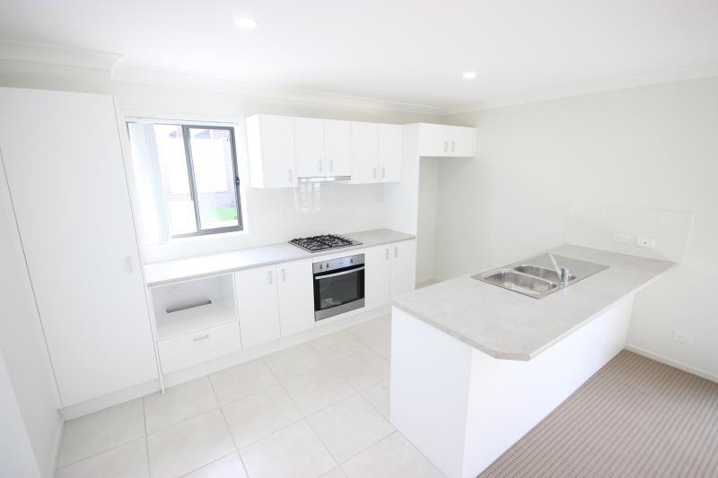 2 Skylark Avenue, Thornton NSW 2322, Image 1