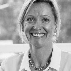 Siobhan Beeston, Sales representative