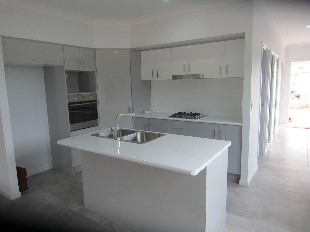 33 Starboard Street, Trinity Beach QLD 4879, Image 0