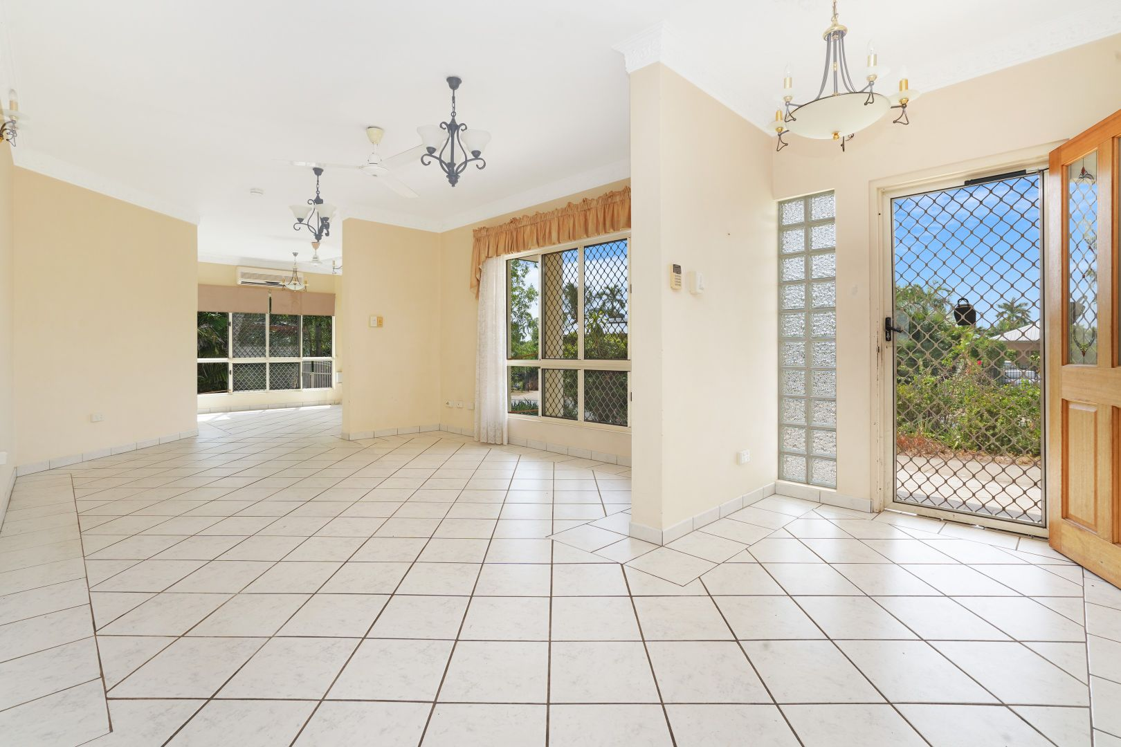 30 Castlereagh Drive, Leanyer NT 0812, Image 2
