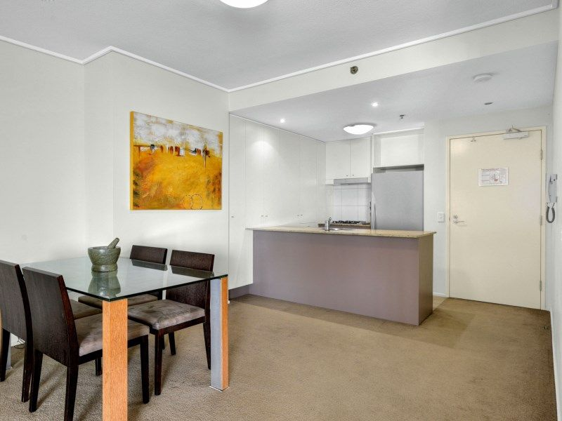 96/26 Felix Street, Brisbane City QLD 4000, Image 2