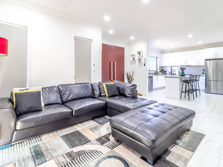 36 Fishburn Street, Jordan Springs NSW 2747, Image 2