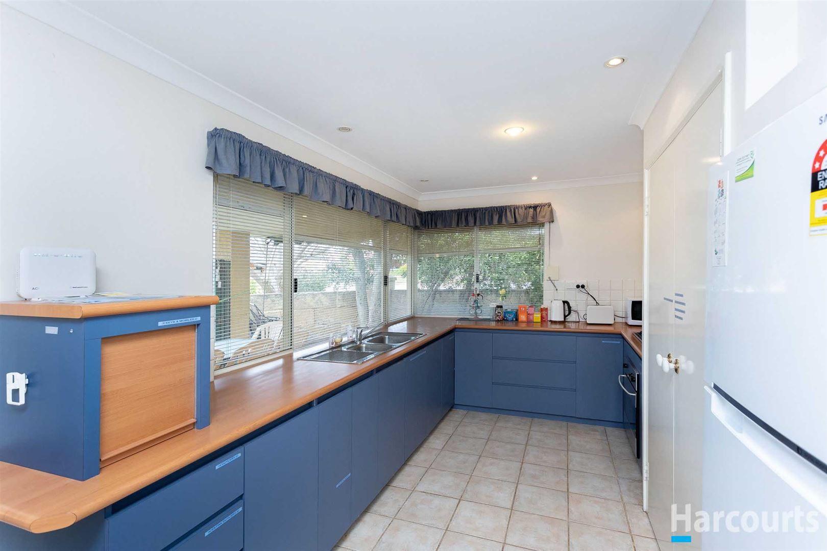 53 St Helens Grove, Landsdale WA 6065, Image 2