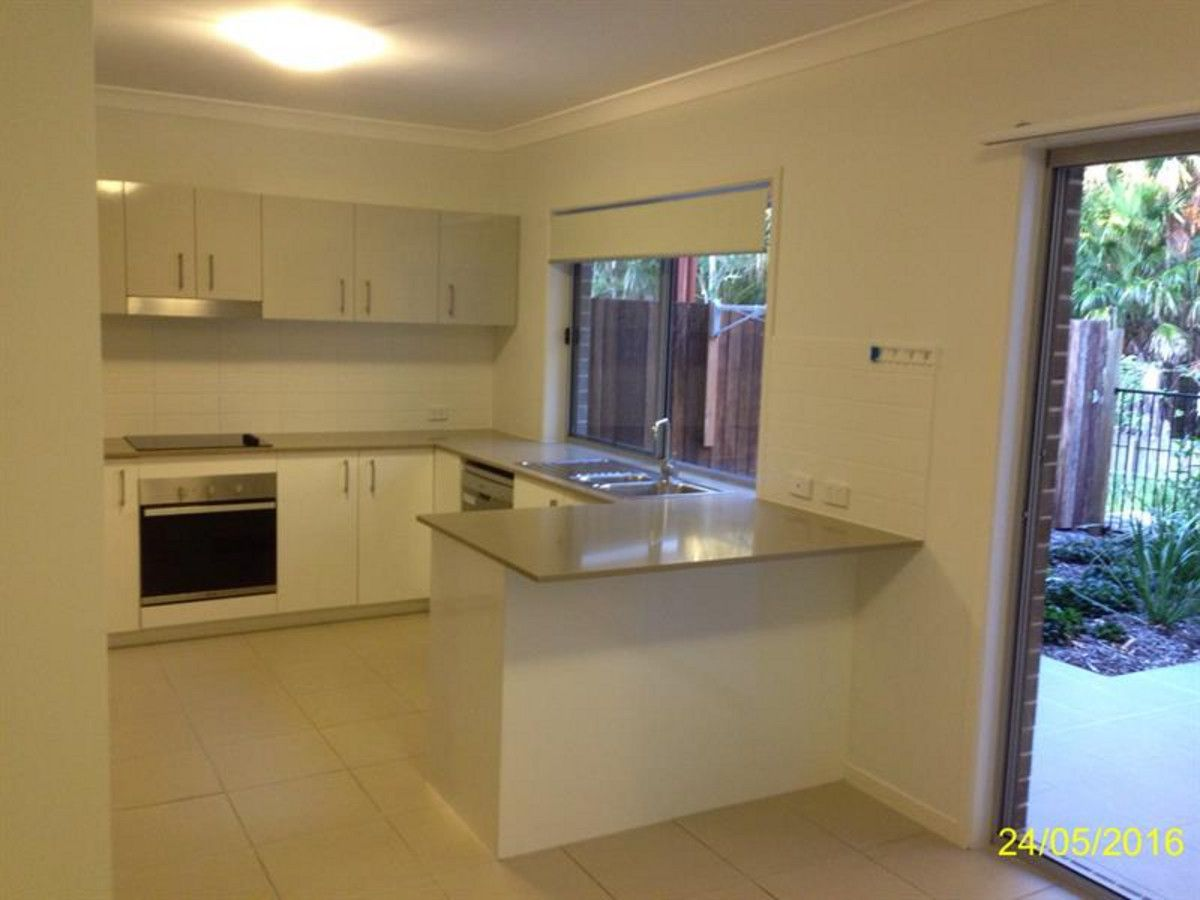 61/17 Greensboro Place, Little Mountain QLD 4551, Image 2