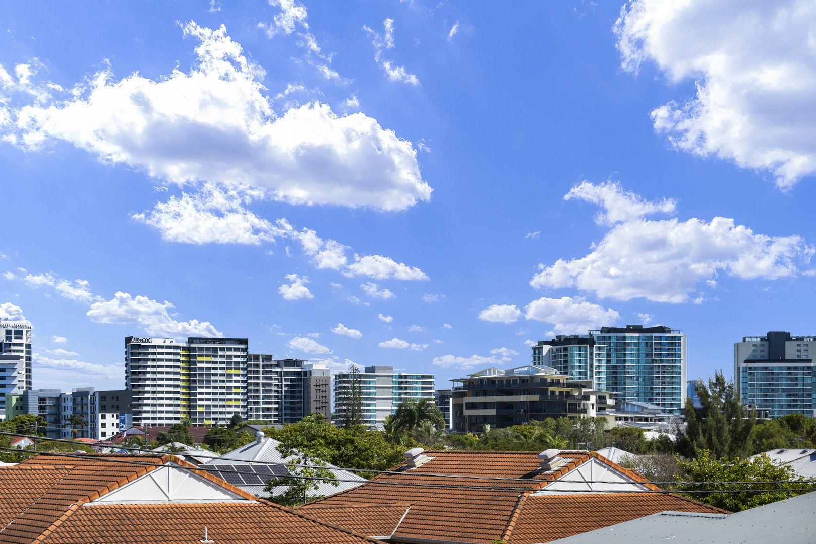 3/24 Windsor Street, Hamilton QLD 4007, Image 0