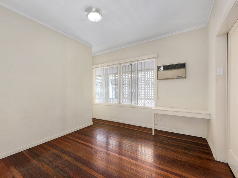 26 Lilley Street, Spring Hill QLD 4000, Image 2