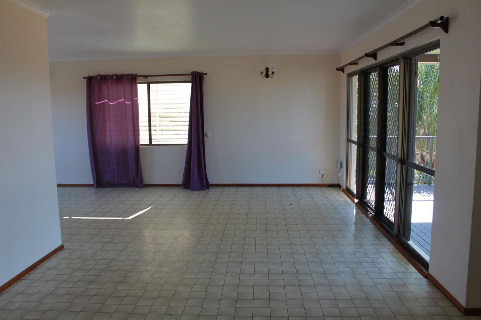39 Hackett Court, Campwin Beach QLD 4737, Image 2