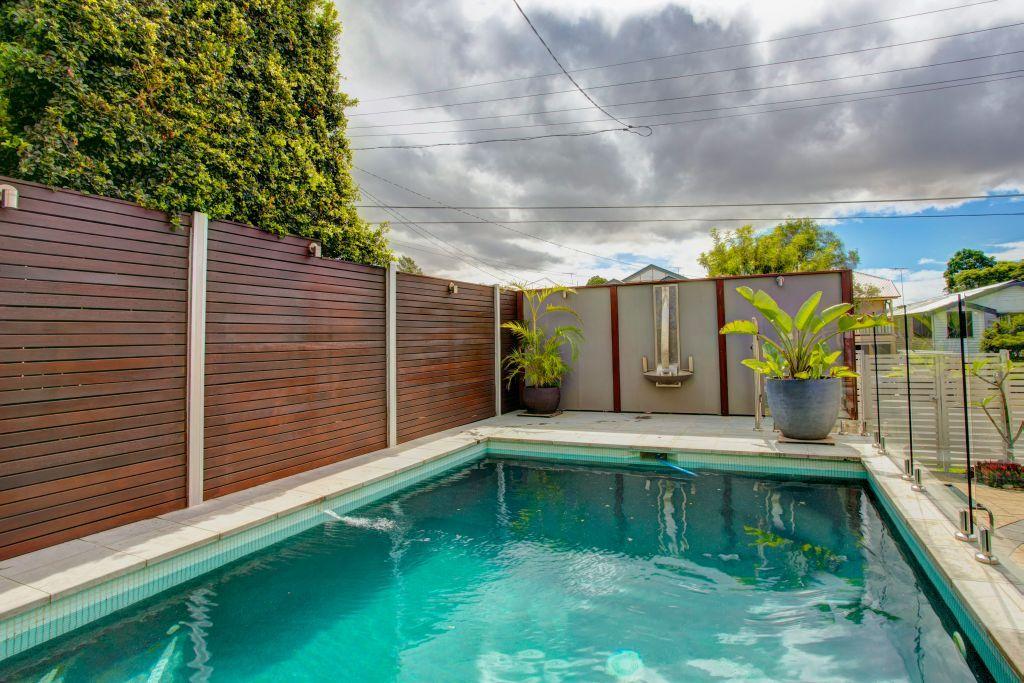 102 Evelyn Street, Grange QLD 4051, Image 2