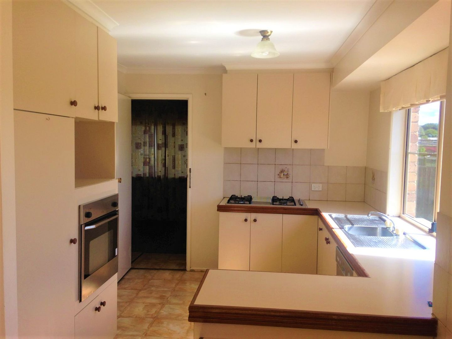 215 Stenner Street, Centenary Heights QLD 4350, Image 2