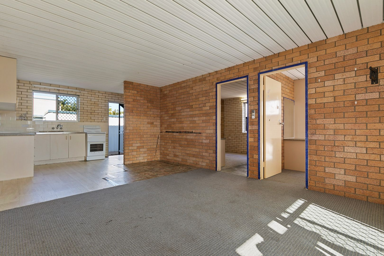 1/47 Truro Street, Torquay QLD 4655, Image 2
